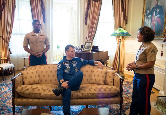 Astronauts Randy Bresnik and Paolo Nespoli Visit Marine Corps Barracks (NHQ201805070009)