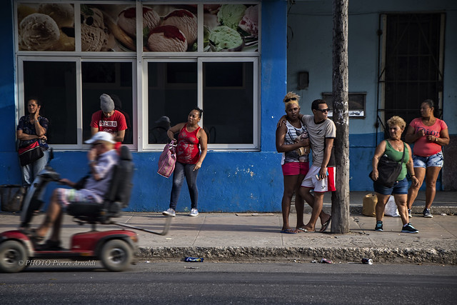 GUANABO: EN ATTENDANT L'AUTOBUS