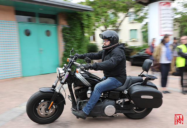 Et une Harley Davidson pour cloturer le défilé.....