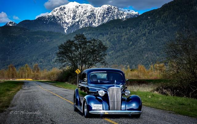 Cruisin' - 1937 Chevy Coupe