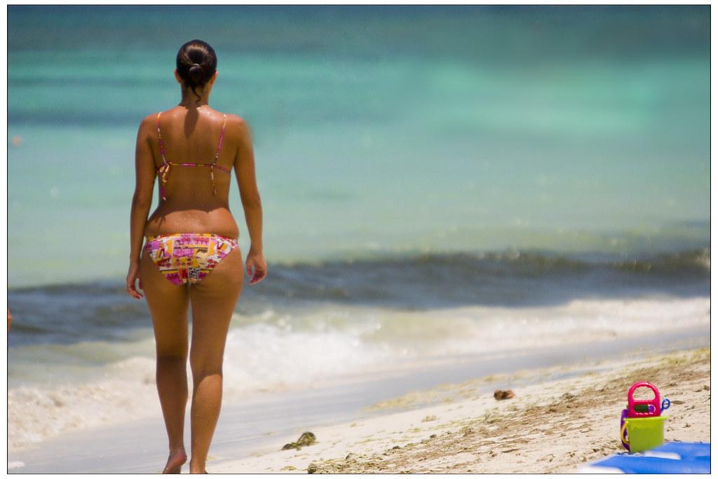 candid beach voyeur