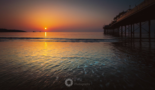 sunrise d750 nikon fx fullframe seascape paignton beach sea torbay southdevon rtaphotography light morning pier paigntonpier colour sun nature outdoors sky tamron 2470