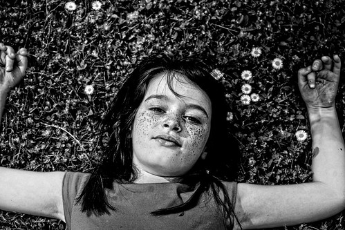 mady madelyn child girl dynamiccontrast 2018 freckles eugene oregon park altonbakerpark kid raw blackandwhite bw cropped face sonyalpha mirrorless 500views