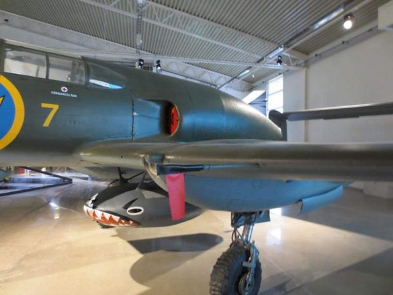 Saab J-21 R 2