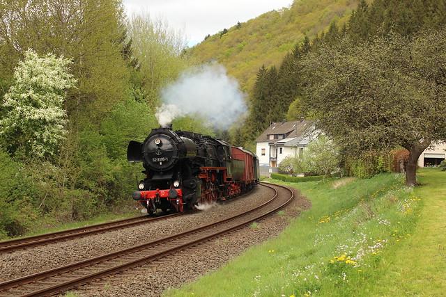 2018-04-28; 0093. 52 8195 (FME) met DPE 61937. Im Lierchesseifen, Birresborn.