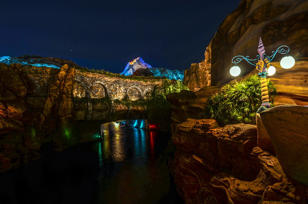 TDS night mermaid light bridge volcanao
