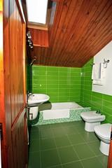 Baño. Apartamentos Alkazar
