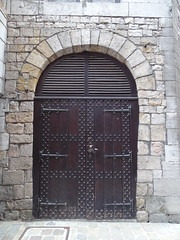 puerta exterior ayuntamiento Gran Plaza Mons Belgica 01