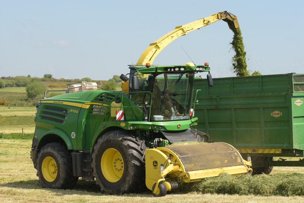 john deere 8700i self propelled forage harvester  a word