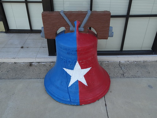 chfstew texas txlibertycounty downtownflair libertybell