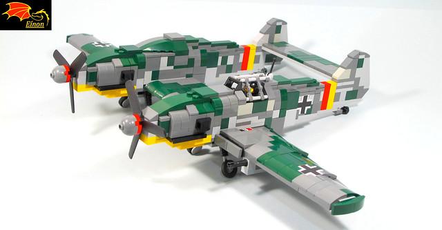 Bf-109Z ready to take off - 85