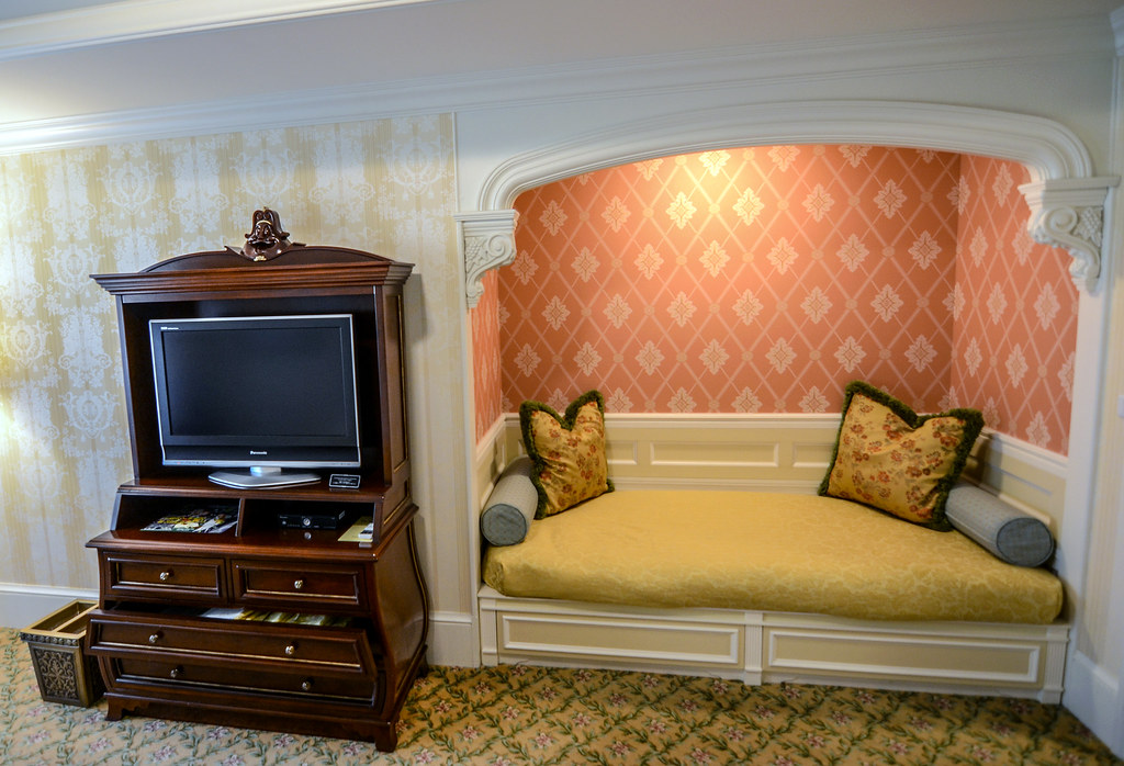 Tokyo Disneyland Hotel Alcove room