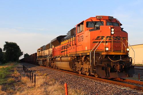 bnsf trains sd70ace sd70mac sunset granite city illinois