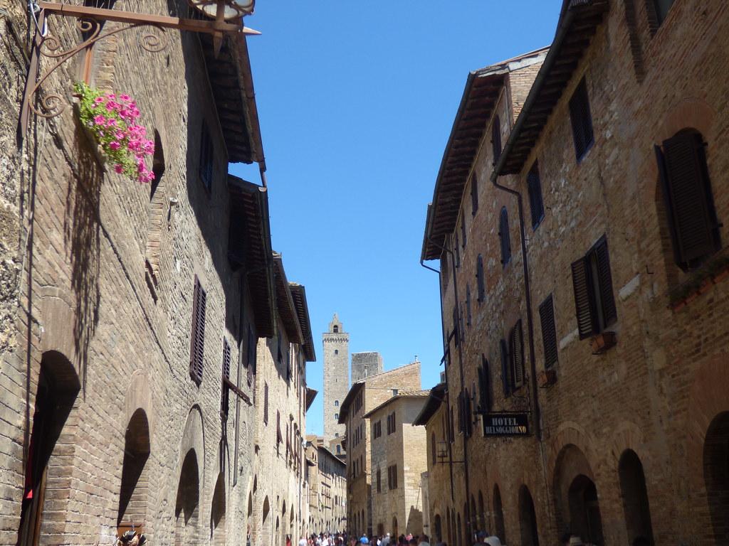 Via San Giovanni, San Gimignano - Hotel Belsoggiorno | Flickr