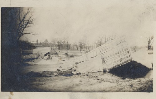 1913 flood greatflood ohio vintage disaster postcard cityinruins
