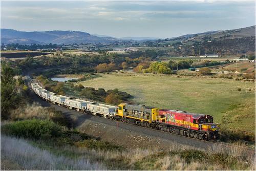 australia tasmania brighton ballasttrain train diesellocomotive dq dqclass dq2011 dq2006 gm emd jordanriver countryside tasmanianscenery tasmaniancountryside tasrail trainsintasmania stevebromley canoneos550d ef35350mm13556lusm