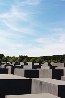 mémorial holocauste berlin   by blondgarden