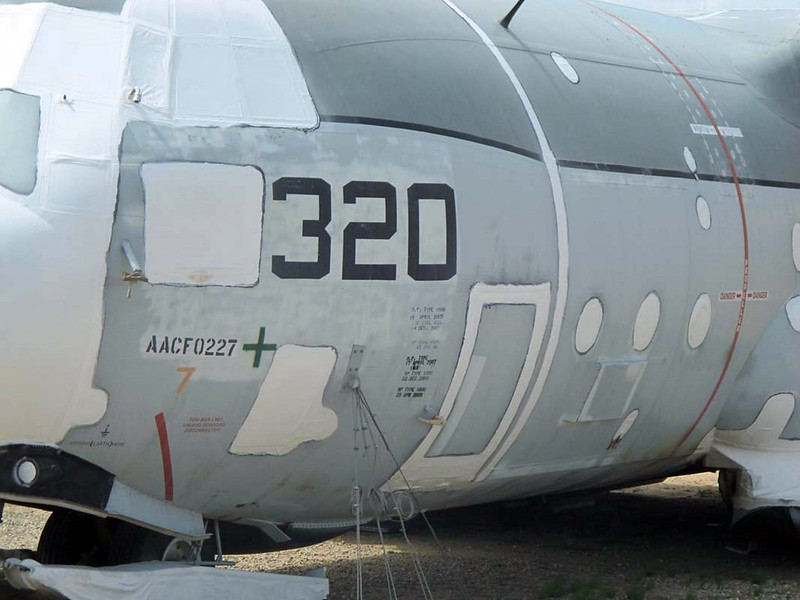 Lockheed LC-130 Hercules 7