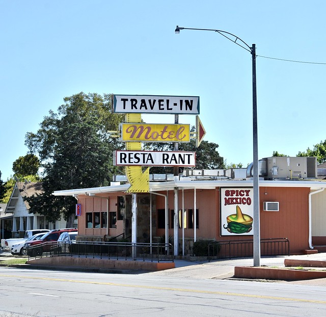 Travel-In Motel - Bowie,Texas