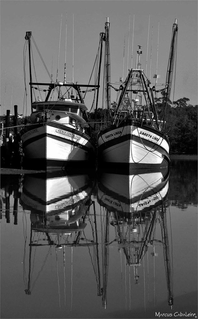 Embarcações Foto Marcus Cabaleiro Site: https://marcuscabaleirophoto.wixsite.com/photos Blog: http://marcuscabaleiro.blogspot.com.br/ #muscabaleiro #guarujá #sp #brasil #embarcação #reflexo #mono #céu #fotografia #arte #brazil #monocolor #barcos #photogra
