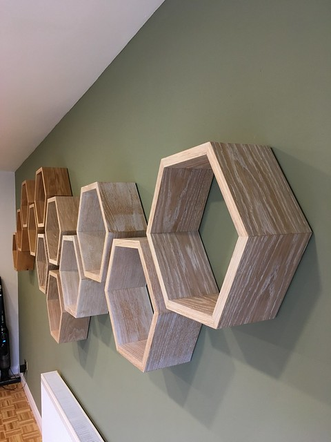 Hexagone Shelves Sculpture