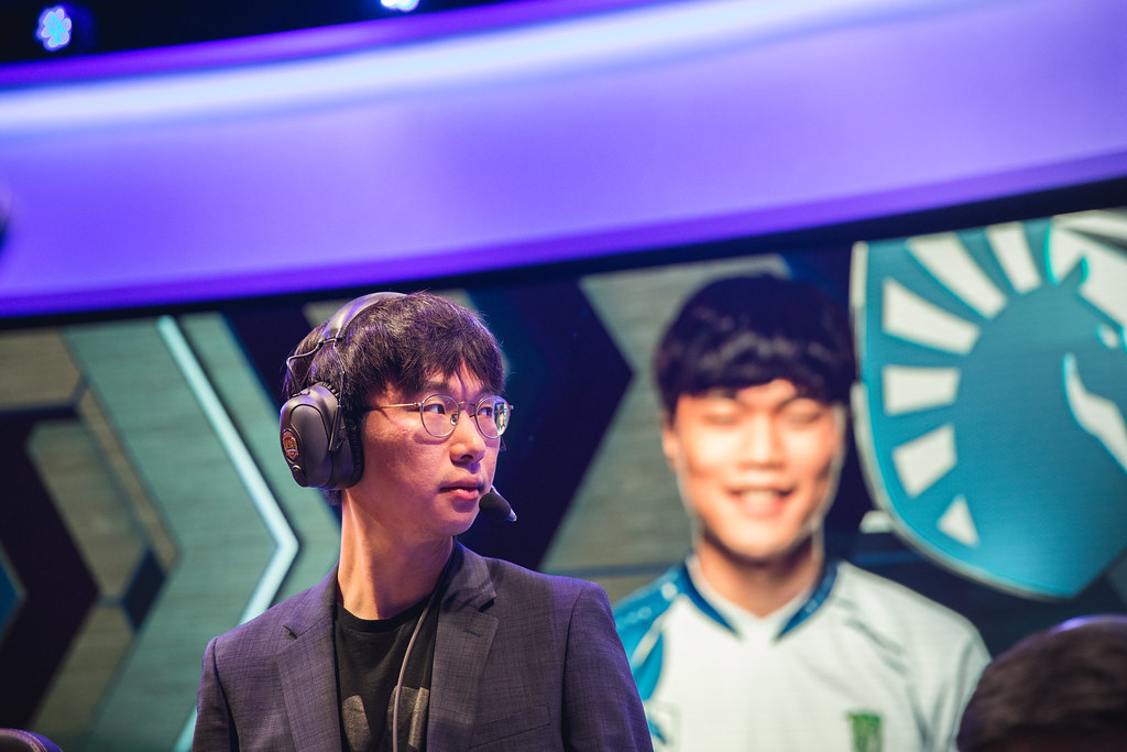 League of Legends: Doublelift is out for Saturday, Tactical to ...