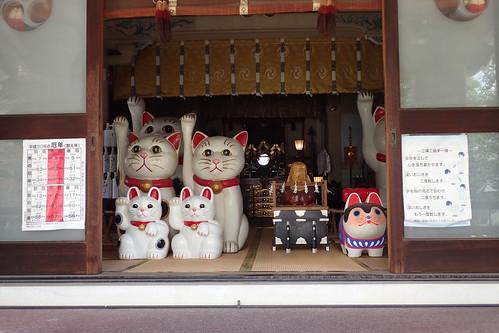 Imado Shrine, Tokyo | by Tartanna