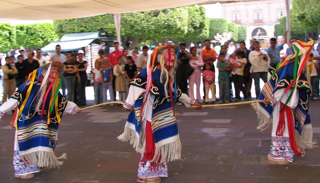 La danza de los viejitos / Old man's dance