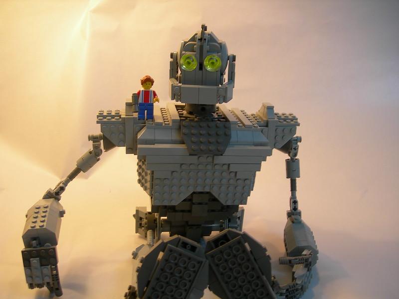 Iron Giant - Sitting