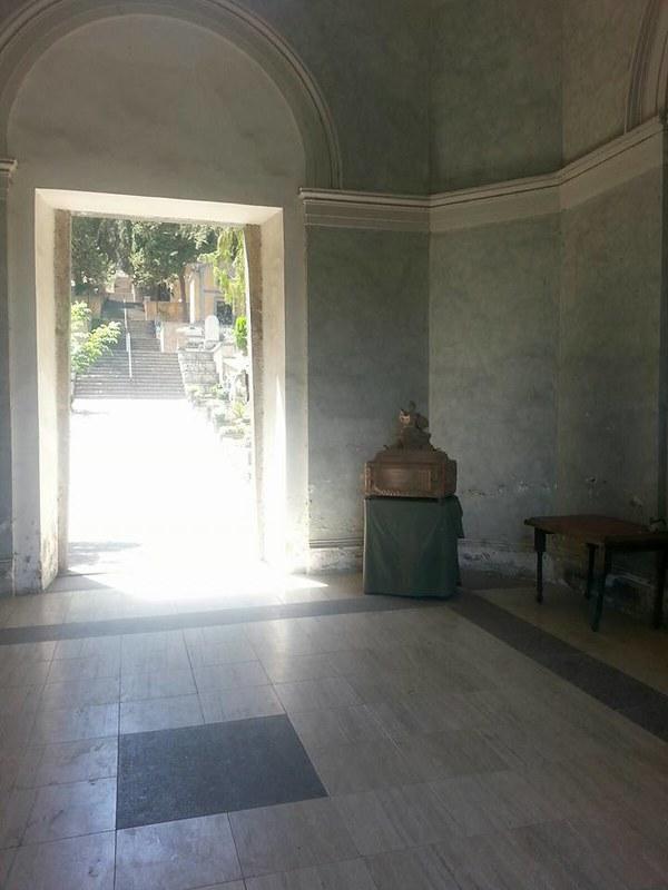 Ceneri dei resti del Portabandiera Conte Ludovico Negroni della spedizione dei 300 di C. Pisacane.