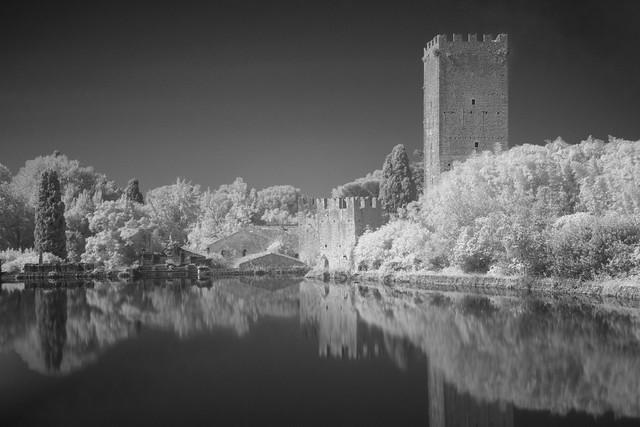 Il Castello - Giardino di Ninfa