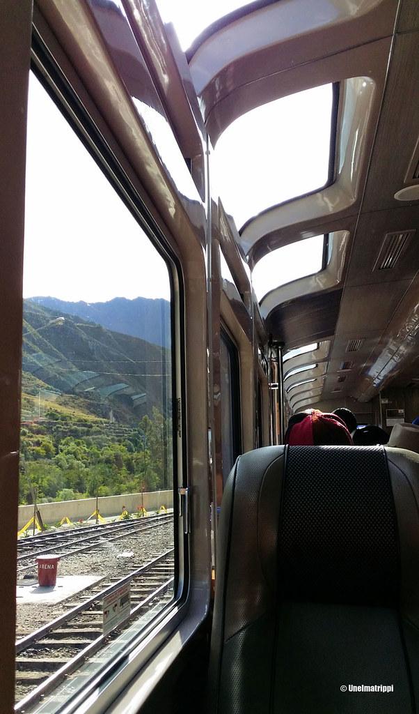 Peruraiin Vistadome-juna