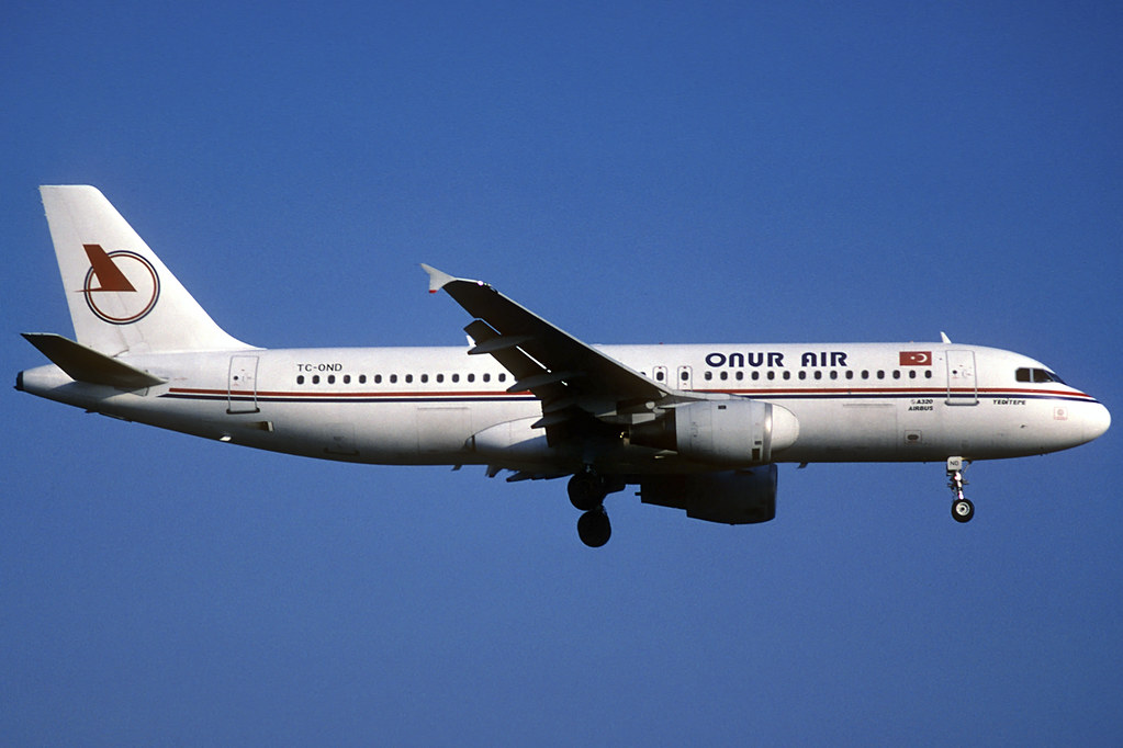 Onur Air A320-211 TC-OND BCN 31/03/1997