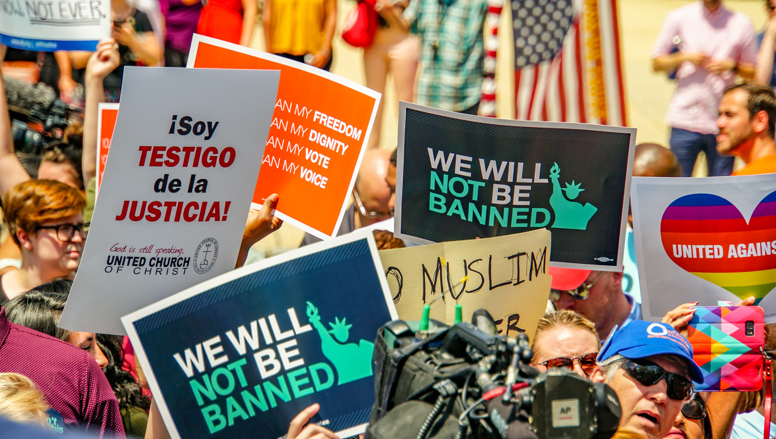 2018.06.26 Muslim Ban Decision Day, Supreme Court, Washington, DC USA 04040