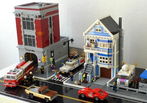 Firehouse & Painted Lady (R66 mini diorama)
