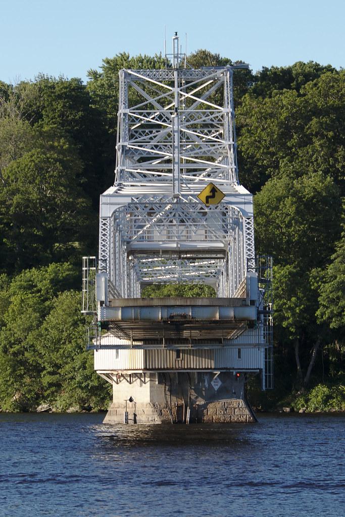 Situation east haddam swinging bridge that's