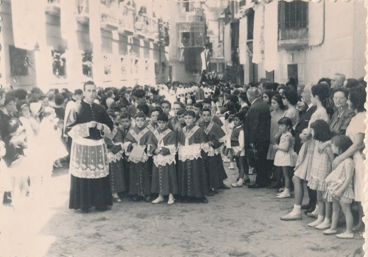 Don Luis García Hinojosa en el Corpus de 1963. Fotografía de Julián C.T.