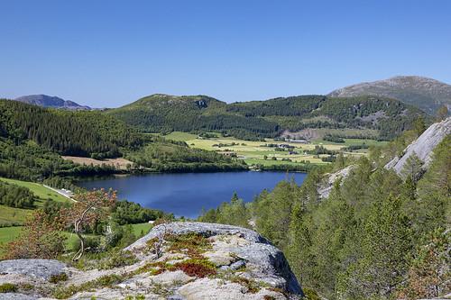nordland norway mountain lysingen lake holandsvatnet farmland farm