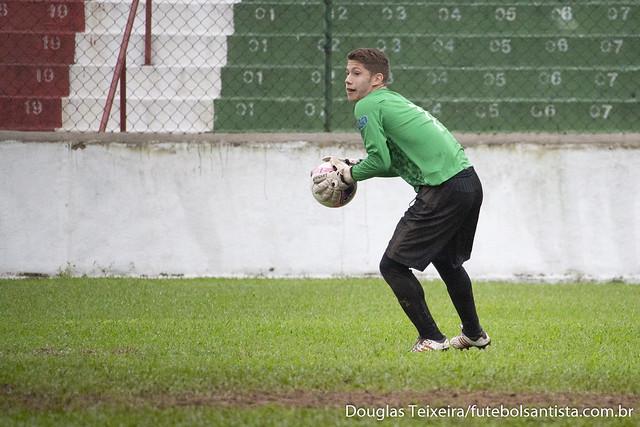 Leandro Alves, goleiro da Portuguesa Santista