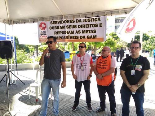1º DIA DE PARALISAÇÃO: CATEGORIA ADERE À MOBILIZAÇÃO E PARTICIPA DAS ATIVIDADES 18/04/2018