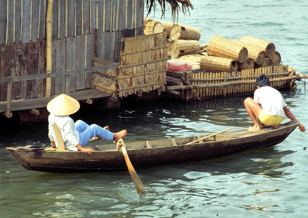 viet_centre_182 : quand l'on est fatigué de ramer avec les bras au Vietnam Centre