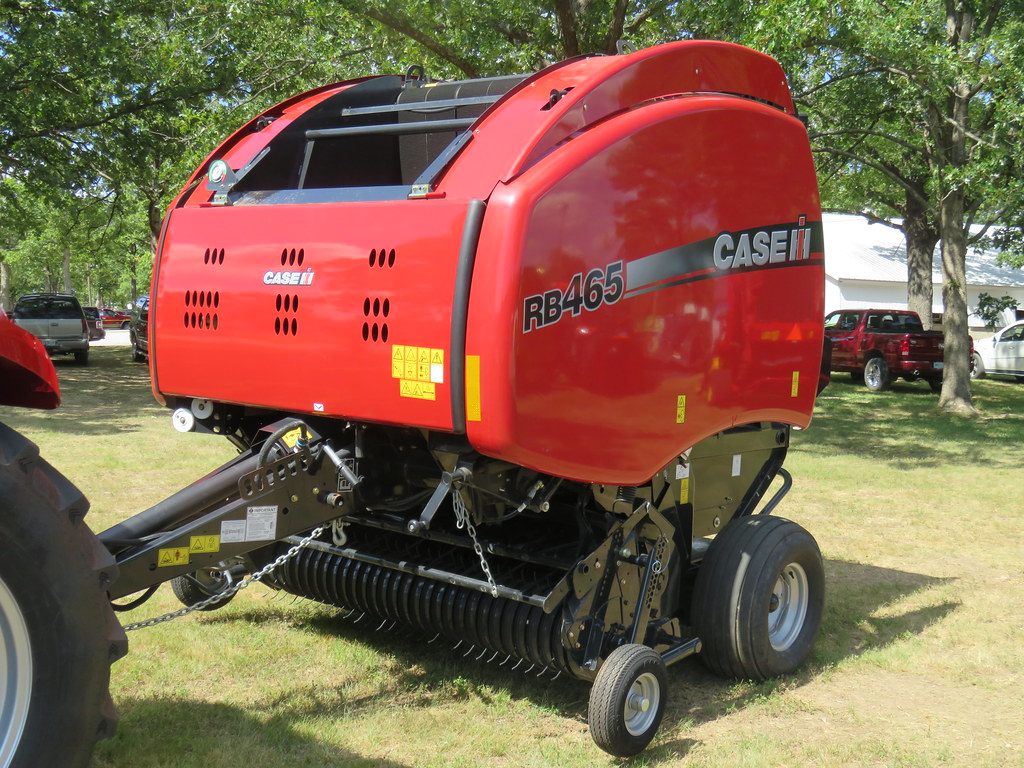 CNH Case-IH RB 465 Round-Baler | 2018 County Fair farm equip