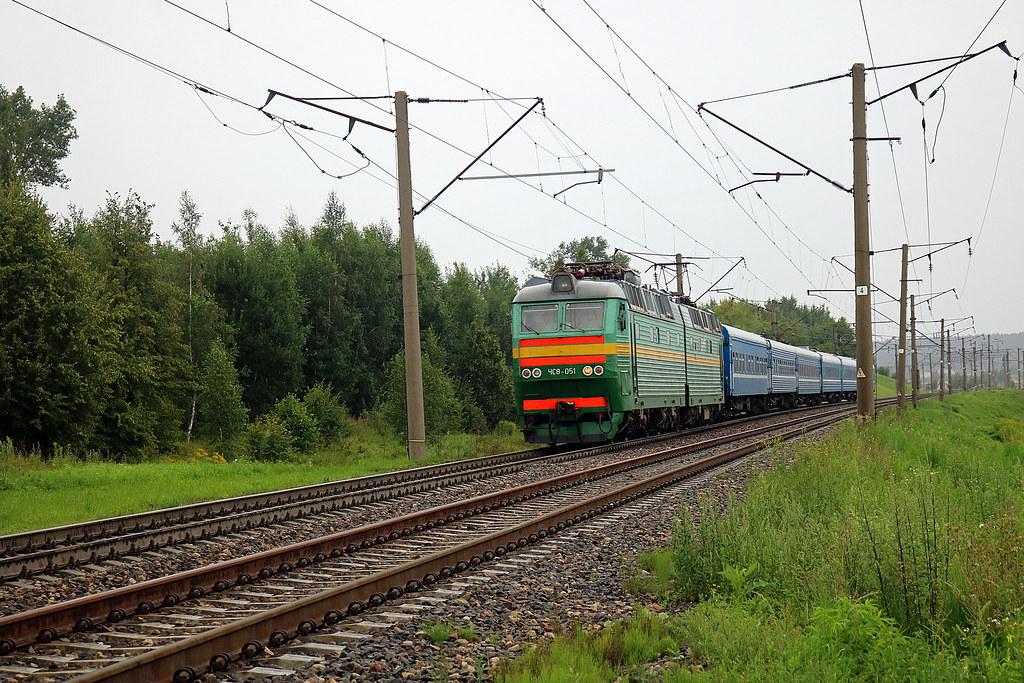 Электровоз ЧС8-051  на перегоне путевой пост Городнянский/Орша-Центральная.