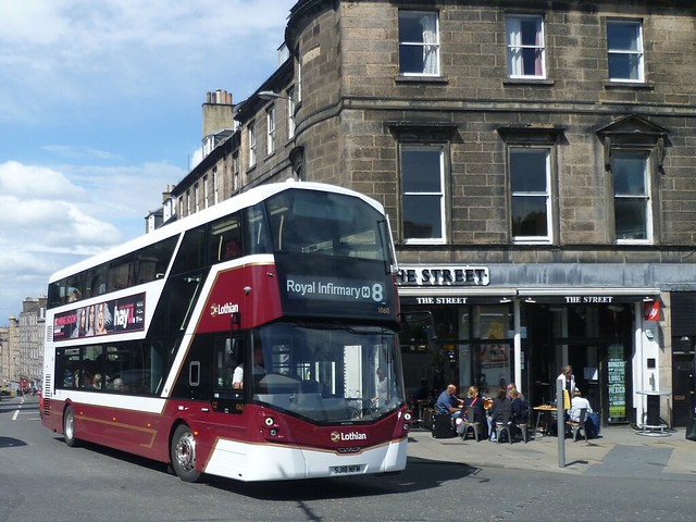 Lothian 1060 at the corner of Broughton Street and Picardy Place, Edinburgh.