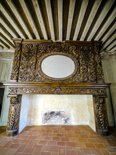 Cheminée-miroir, salle de bal - Château de Bruniquel