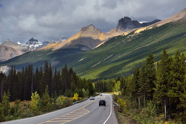 Driving the Canadian Rockies and Taking in Amazing Peaks Along the Icefields Parkway (Banff National Park)