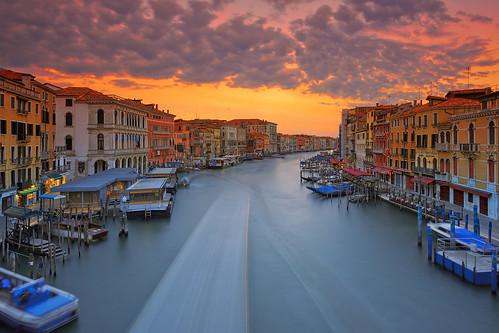 venice italy veneto grandcanal water sunrise historic buildings