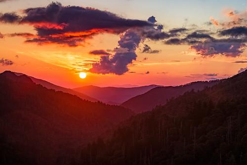 cloudsstormssunsetssunrises sun sunset clouds nikon d600 nikond600 smoky smokymountains mountains national park gsmnp tennessee appalachian trees