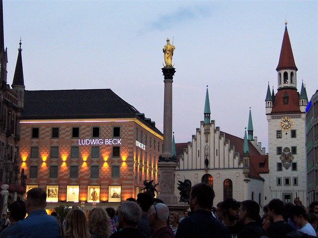Marienplatz at dusk