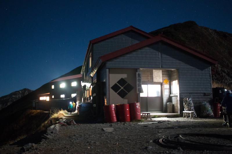 夜の五竜山荘